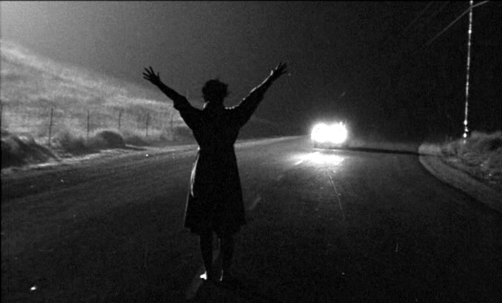 Kiss Me Deadly –Review