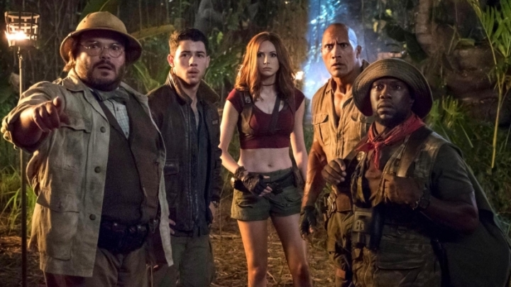 jumanji_welcome_to_the_jungle_review_dwayne_johnson_karen_gillan
