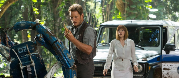 Jurassic World Review: An Exercise in Cynically Racking up Nostalgia by Undermining Its Roots