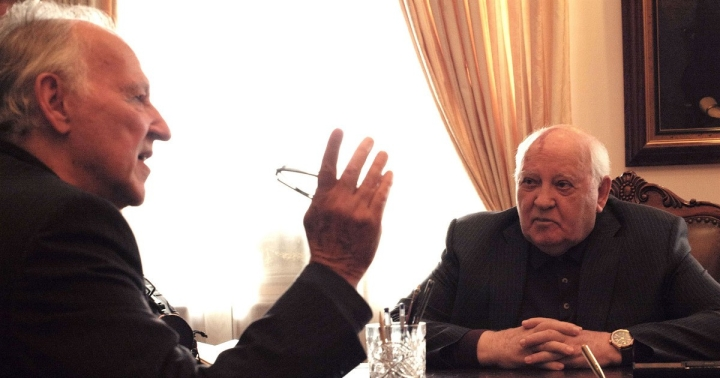 02-meeting-gorbachev.w1200.h630