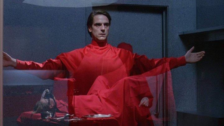 'Dead Ringers' Review: A Psychologically Visceral Tale of Symbiotic Horror